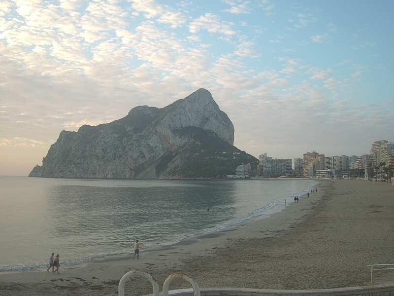 Calp, La Fossa beach